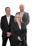 Vaughan Kirsty & Andrew, Roberts Real Estate - Tamar Valley