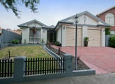 4 Frangipani Close, Endeavour Hills, Vic 3802