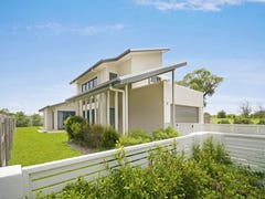 25 Dune Parade, Bushland Beach, Qld 4818