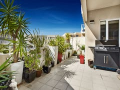 13/4 Seisman Place, Port Melbourne, Vic 3207