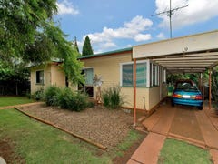 19 Dunne St, Harristown, Qld 4350