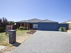 8 Cherry Tree Road, Forrestfield, WA 6058