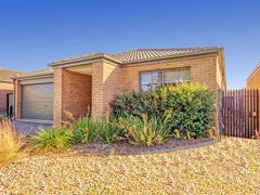 24 Kingbird Av, Tarneit, Vic 3029
