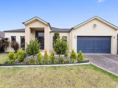 4 Broadwater Drive, Waterways, Vic 3195