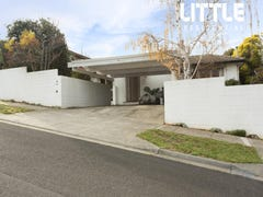 10 Glenscott Crescent, Strathmore Heights, Vic 3041
