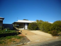32 FINNISS STREET, Roxby Downs, SA 5725
