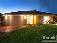 42 Thomas Place, Pakenham, Vic 3810