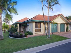 23 Palm Crest Heights.  152 Palm Meadows Drive, Carrara, Qld 4211