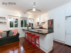 35 Newcastle St, Fairfield, Qld 4103