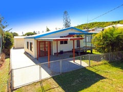 11 Meadow Street, Keppel Sands, Qld 4702