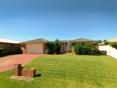 42 Smythe Drive, Highfields, Qld 4352