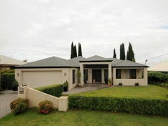 359 Mackenzie St, Middle Ridge, Qld 4350