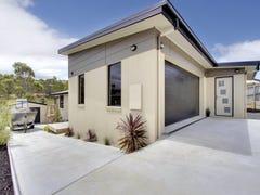 14 Lomandra Drive, Blackmans Bay, Tas 7052