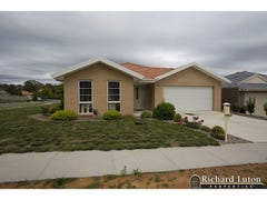 1 Betty Maloney Crescent, Banks, ACT 2906