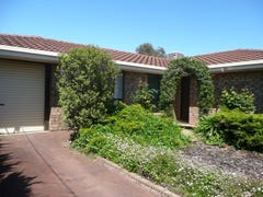 12 Macquarie Street, Moana, SA 5169