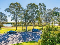 17 The Esplanade, Coombabah, Qld 4216
