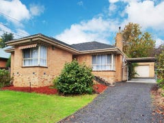 8 MANDOWIE CRESCENT, Croydon, Vic 3136