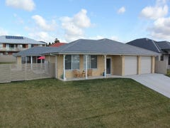 57 Freeman Circuit, Bathurst, NSW 2795
