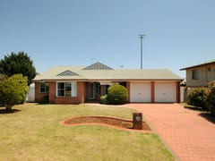 9 Buckle Court, Middle Ridge, Qld 4350
