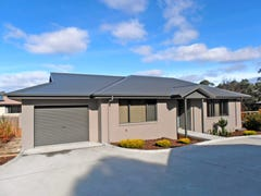 1/136 Burwood Drive, Blackmans Bay, Tas 7052