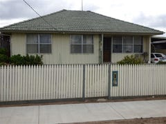 14 Crump, Horsham, Vic 3400