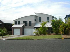 11 Coolberry Court, Rainbow Beach, Qld 4581