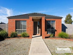 22 Sunbird Ave, Cranbourne, Vic 3977