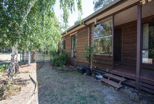 70 Young Street, Darnum, Vic 3822