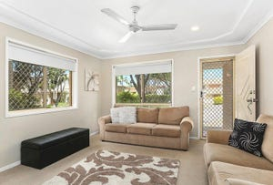9/320 Manly Road, Manly West, Qld 4179