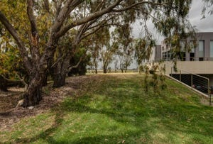 17 Whalers Drive, Port Fairy, Vic 3284
