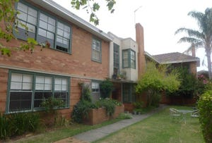 1/22 Pine Avenue, Elwood, Vic 3184