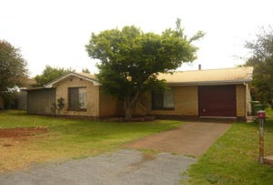 1 Pamela Street, Darling Heights, Qld 4350