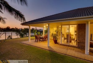 24 Banks Court, Torquay, Qld 4655