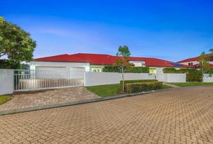 4/178 Palm Meadows Drive, Carrara, Qld 4211