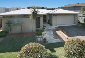 16 Torrens Crescent, Wakerley, Qld 4154
