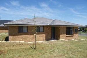 7 Stewart Close, Orange, NSW 2800