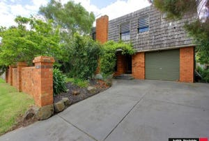 17 Albany Road, Cowes, Vic 3922