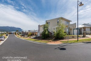 1&2/ 2 Kitty Way, Kingston, Tas 7050