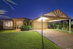 1 Clipper Court, Newport, Qld 4020