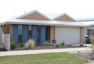 5 Dunes Road, Cowes, Vic 3922