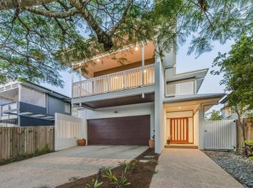 35 Margaret Street, Camp Hill, Qld 4152