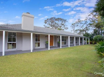 15 Greenhill Crescent, St Ives, NSW 2075