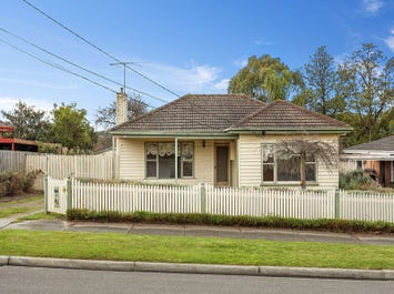 19 Farleigh Avenue, Burwood, Vic 3125