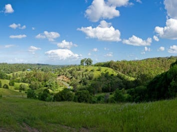 1 Dobson Road, Clear Mountain, Qld 4500