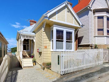 11 Balmoral Street, Sandy Bay, Tas 7005