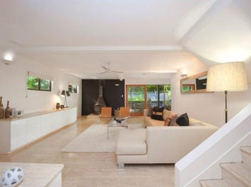 155 The Esplanade, St Lucia, Qld 4067