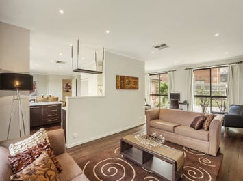 2/54 St Clems Road, Doncaster East, Vic 3109