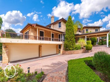 3 Brentwood  Way, Castle Hill, NSW 2154