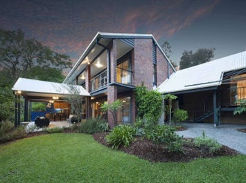 27 The Drive, Bardon, Qld 4065