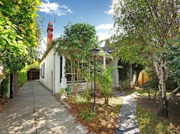 27 Closeburn Avenue, Prahran, Vic 3181